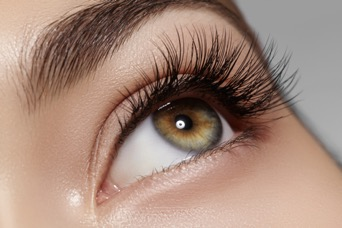 We recently expanded our aesthetic services to include expert eyelash and eyebrow tinting!